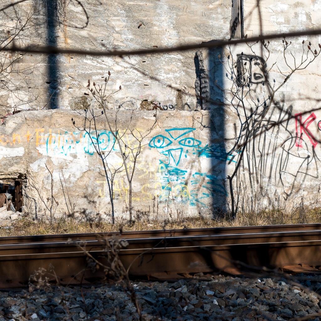 Ruins & Graffiti